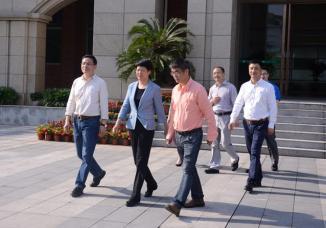 金华市副市长陶叶萍一行调研金华市外国语学校